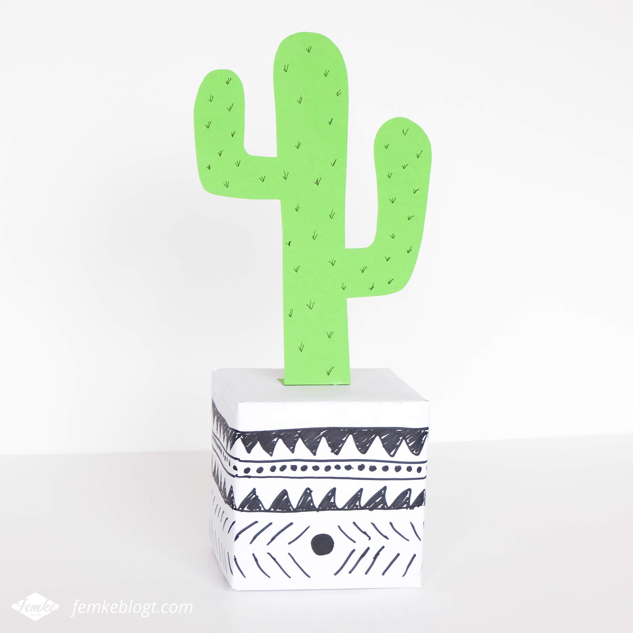 5 Supersnelle sinterklaas surprises | Cactus in pot met zwart-wit patroon