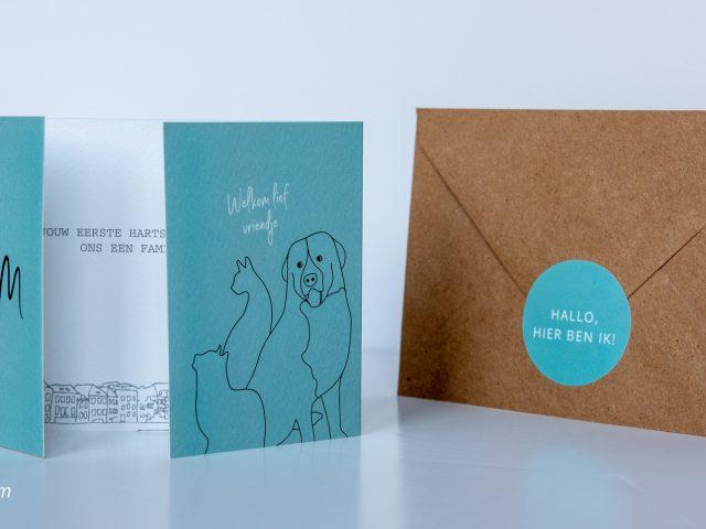 Geboortekaartje Sam A6 klapkaart luikvouw en kraft envelop met sluitsticker